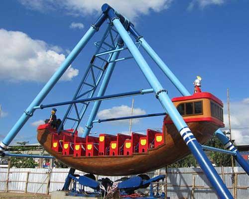 Beston-Thrill-Pirate-Ship-Ride