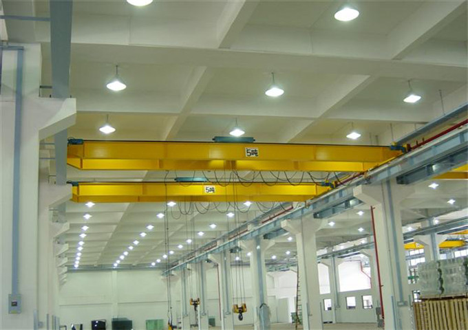 The quality of the double girder bridge crane is high